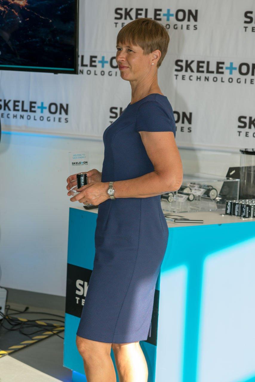 Estonian-President-Kersti-Kaljulaid-Skeleton-Technologies-factory-visit