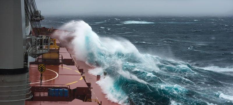 ocean-waves-ship