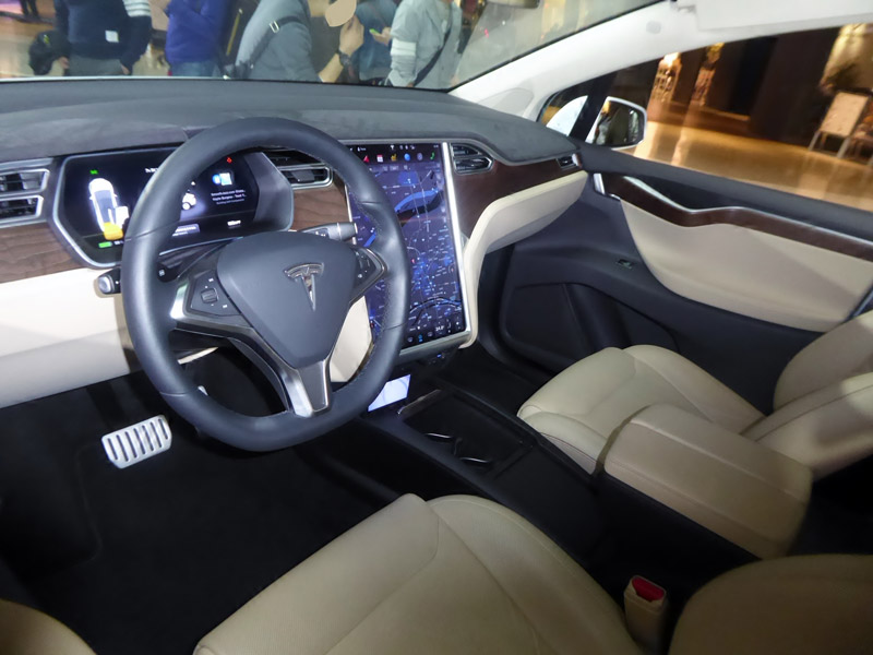 Tesla-Model-X-interior.jpg